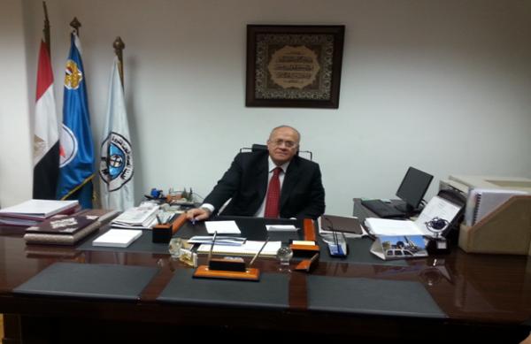 رئيس هيئة الثروة المعدنية يكرم قيادات العمل القانوني الهيئة