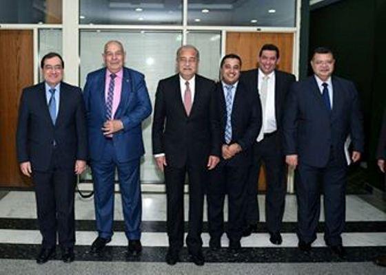 بالصور: زيارة شريف اسماعيل لمقر وزارة البترول