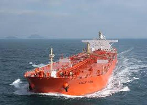 ناقلات استيراد النفط بين الدول فى البحر