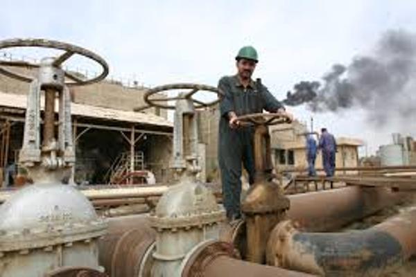 كم سنه يكفى مخزون النفط العالم؟