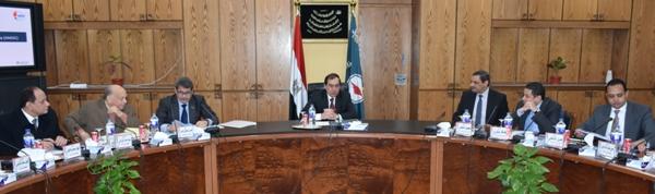 عمرو مطصفى:تطوير وتحديث الوحدات الإنتاجية القائمة لإنتاج الزيوت بتكلفة استثمارية 50 مليون دولار