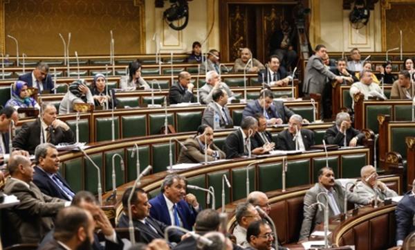هل يوافق البرلمان على قانون حصول العاملين على معاش بنسبة 80% من آخر راتب؟