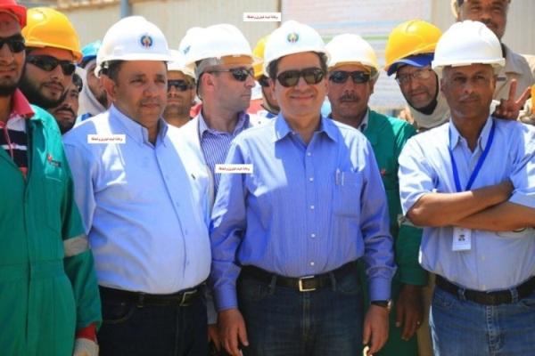 ننشر 15 صورة حصرية من زيارة وزير البترول وقيادات القطاع ورئيس بتروجت لمشروع تنمية حقل ظهر