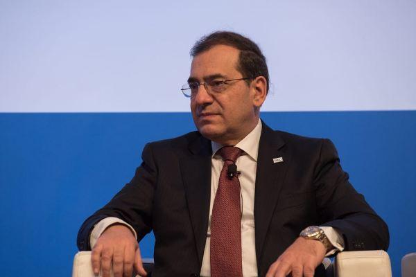 "Photo of وزير البترول فى حواره لـ ""CNBC""""كنا فخورين جدا باستضافة الفلسطينيين والإسرائيليين وهم يجلسون معا فى غرفة واحدة"