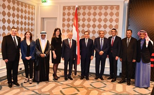 وزير البترول يلتقى رئيس اكسون موبيل العالمية لبحث الفرص الاستثمارية المتاحة
