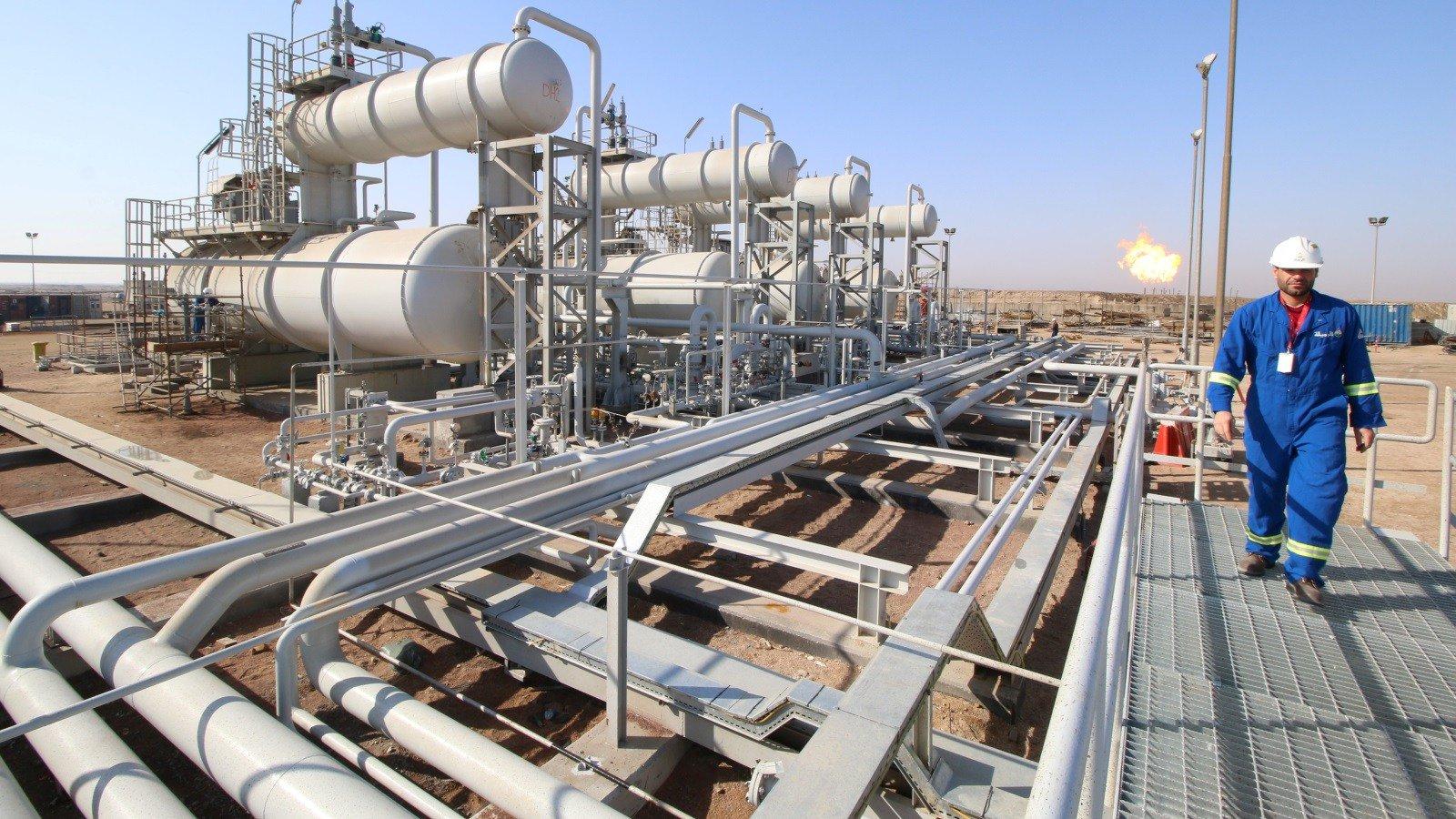 العراق يرفع سعر شحنات مارس من خام البصرة لآسيا 30 سنتا
