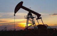 النفط يصعد إلى 67 دولاراً للبرميل بفضل تخفيضات السعودية وصادرات فنزويلا | أخر الأخبار