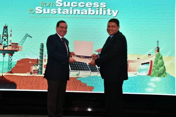 وزير البترول يكرم جاسكو كأفضل شركة فى تطبيق إجراءات ترشيد وكفاءة استخدام الطاقة