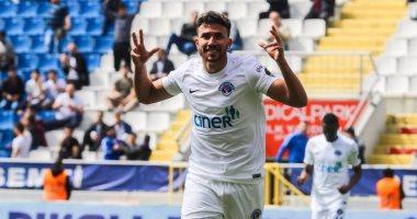 تريزيجيه ثانى أفضل لاعب فى الدوري التركي.. فيديو