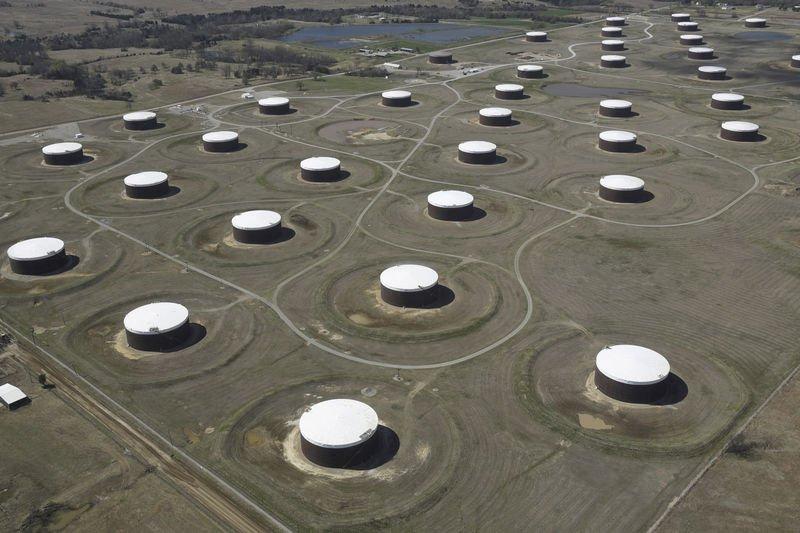 مخزونات النفط الأمريكية تسجل زيادة غير متوقعة الأسبوع الماضي -