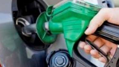 Photo of الحكومة تقرر خفض أسعار البنزين.. بدءاً من منتصف الليل