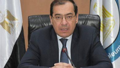 Photo of وزارة البترول تصدر حركة تنقلات وترقيات بين رؤساء الشركات خلال أيام